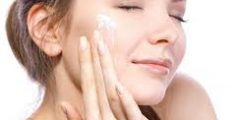 احذري وضع هذه المكونات على بشرتك مثل الماء الساخن والفازلين
