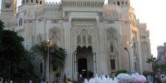 حكاية مسجد المرسي أبو العباس بالأسكندرية..صممه مهندس إيطالي علي الطراز الأندلسي