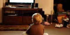 هل التلفزيون حقًا له تأثير سيء على الأطفال ؟