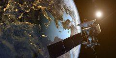 كيفية عمل الاقمار الصناعية في الفضاء